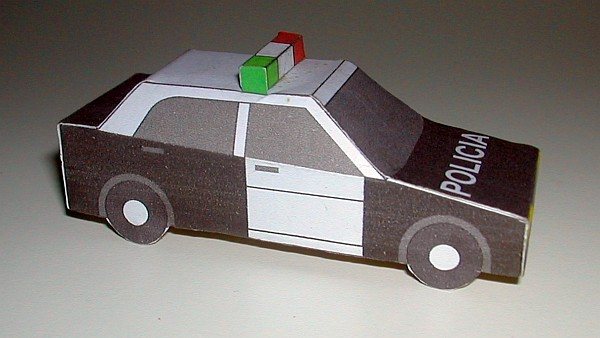 Peruvian police car (old colour scheme)