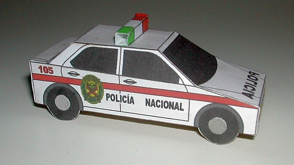 Peruvian police car (new colour scheme)